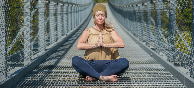 Meditation Hats: What They Mean in Yoga Culture